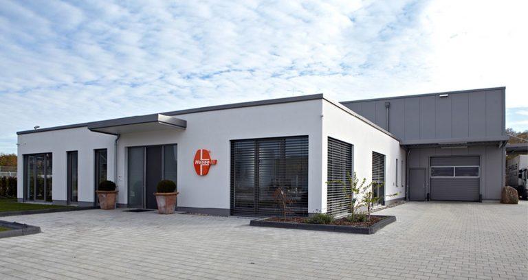 Lagerhalle mit Büroanbau