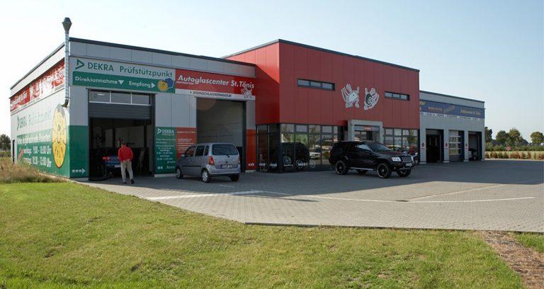Verkaufshalle und Montagehalle in Toenisvorst