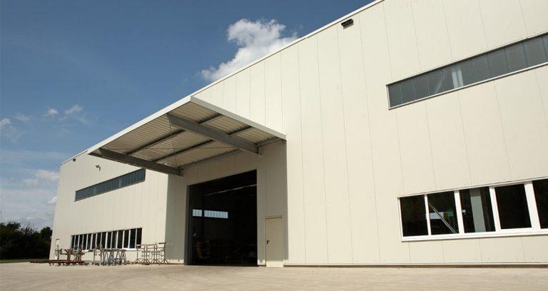 Produktionshalle und Lagerhalle in Issum