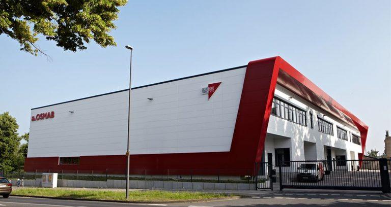 Lagerhallen mit 2-geschossigem Büro in Köln