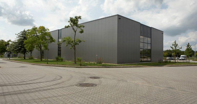 Lagerhallen mit Bürogebäude in Krefeld