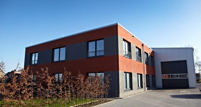 Lagerhalle mit zwei Büroeinheiten in Köln