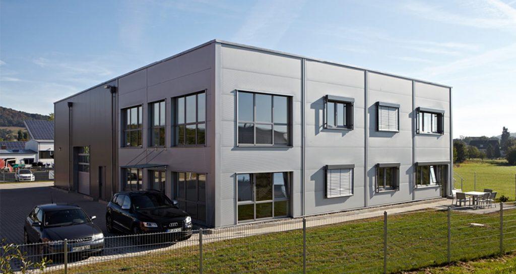 Werkstatt und Lagerhalle mit Büro/Sozialtrakt in Gudensberg