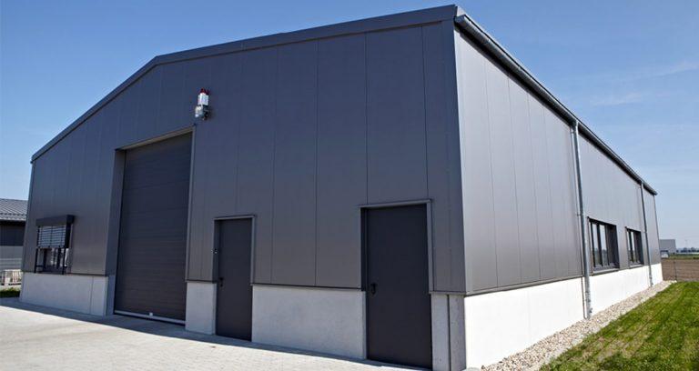 Werk- und Lagerhalle mit Büro- und Sozialtrakt in Kleve